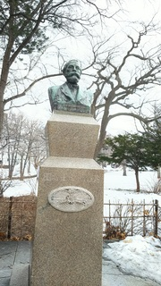クラーク博士の銅像 .JPG